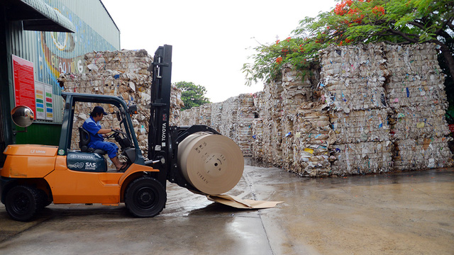 Đang khát giấy, Trung Quốc gom sạch giấy cuộn từ Việt Nam - hinh 2
