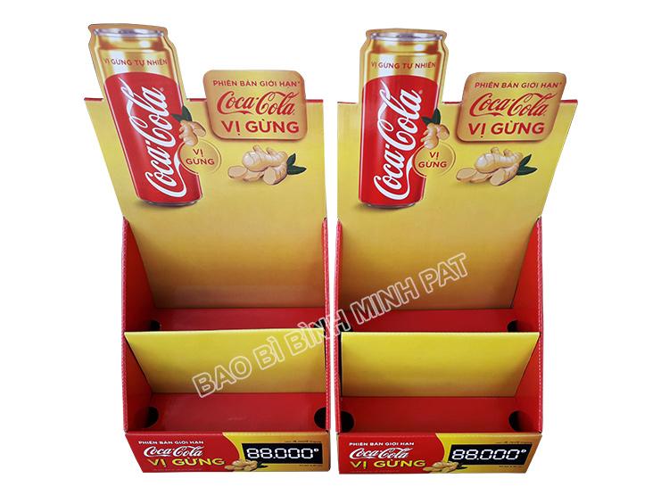 Kệ giấy trưng bày nước ngọt CocaCola - hinh 4